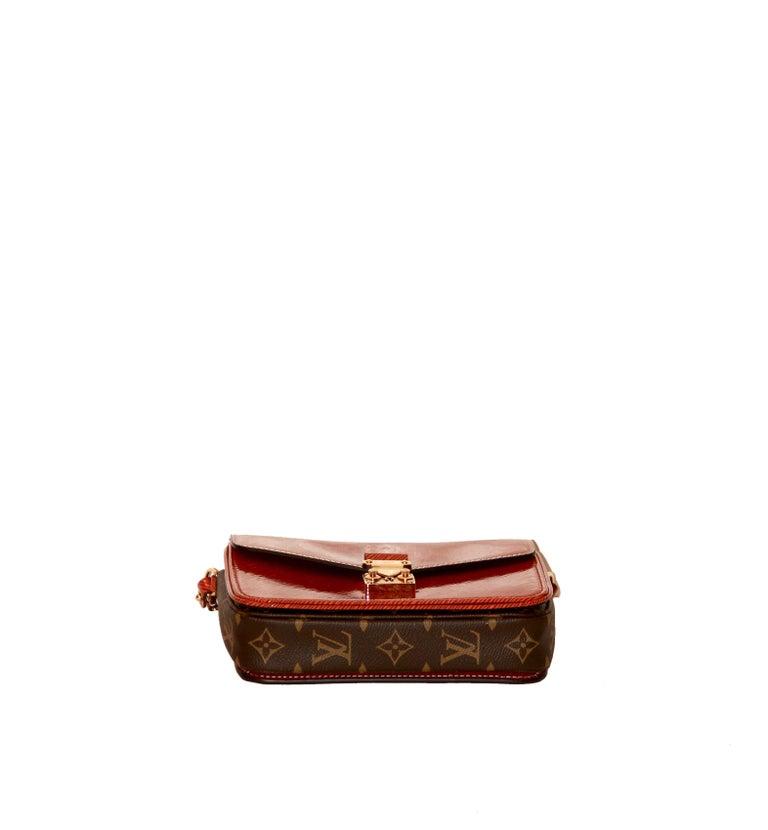 Louis Vuitton Orange Gold Patent Epi Leather Mini Pochette Metis  For Sale 2