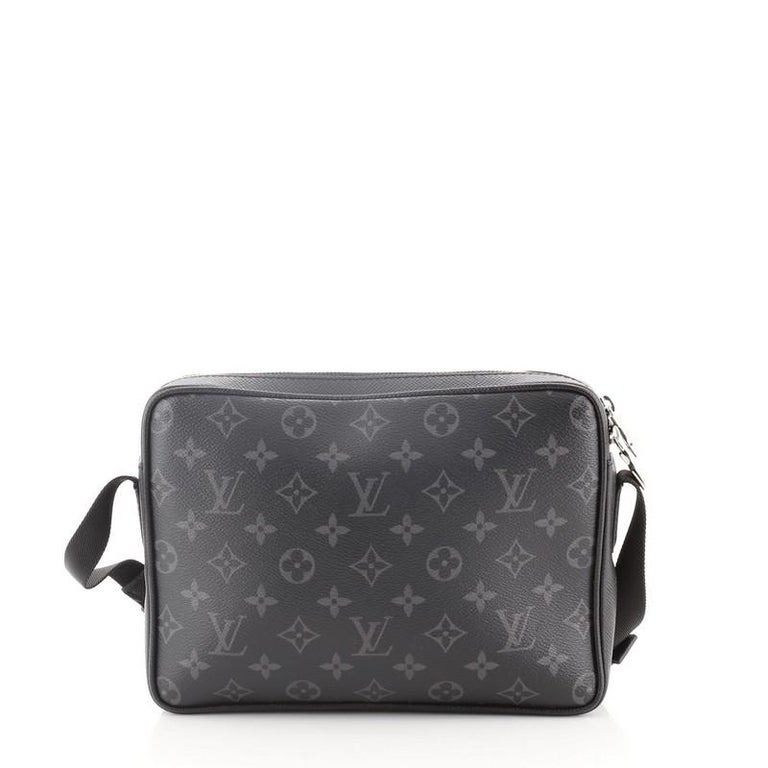 Louis Vuitton Outdoor Messenger Monogram Taigarama In Good Condition For Sale In New York, NY