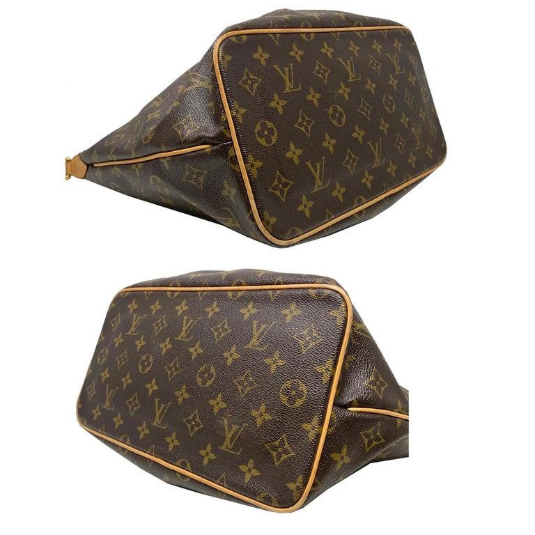 Louis Vuitton Palermo PM Monogram Canvas Crossbody Bag  For Sale 2