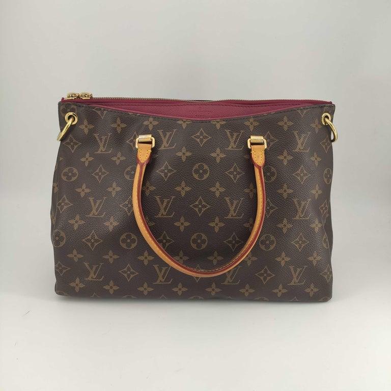 Black LOUIS VUITTON Pallas Shoulder bag in Brown Canvas For Sale