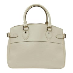 LOUIS VUITTON Passy Epi White Leather Bag