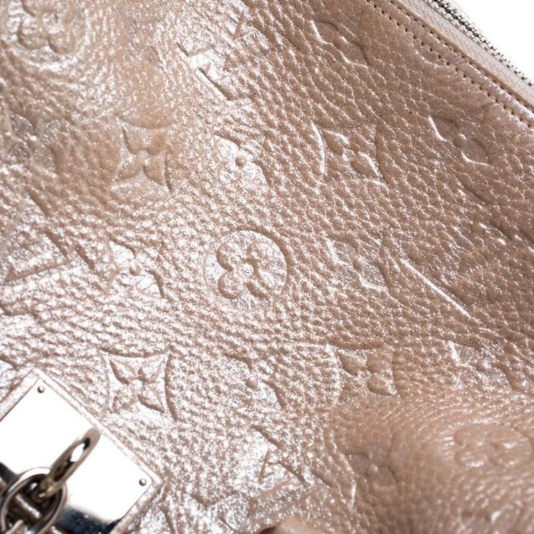 Women's Louis Vuitton Peach Monogram Limited Edition Shimmer Comete Bag