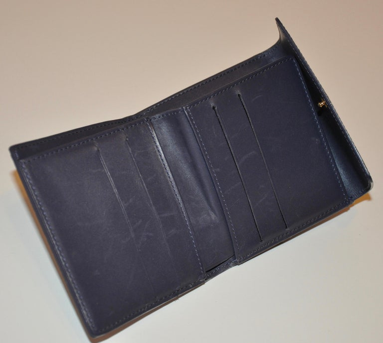 Gray Louis Vuitton Pearl-Steel Signature Monogram Credit-Card and Change Wallet For Sale