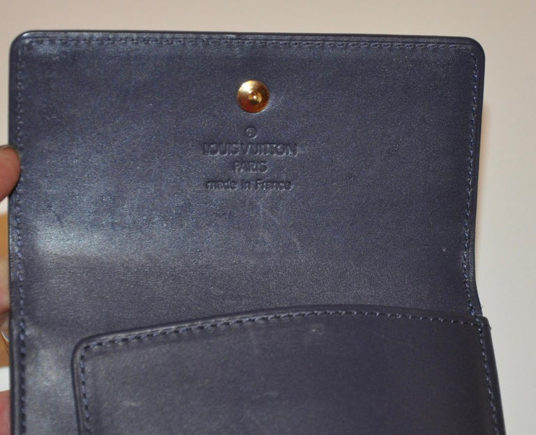 Louis Vuitton Pearl-Steel Signature Monogram Credit-Card and Change Wallet For Sale 1