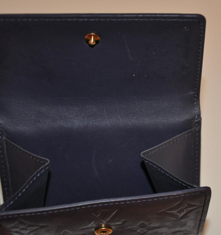 Louis Vuitton Pearl-Steel Signature Monogram Credit-Card and Change Wallet For Sale 4