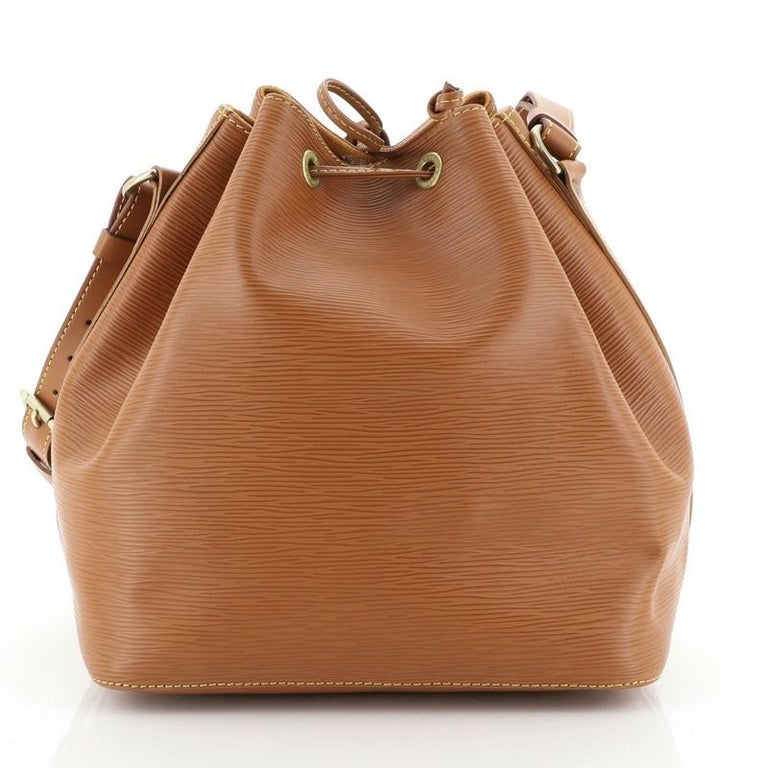 Louis Vuitton Petit Noe Handbag Epi Leather In Good Condition For Sale In New York, NY
