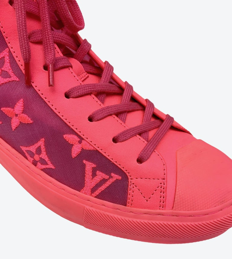 Louis Vuitton Pink Tattoo Sneakers In Excellent Condition For Sale In Geneva, CH
