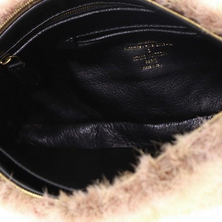Louis Vuitton Pochette Accessoires Limited Edition Caresse Mink For Sale 2