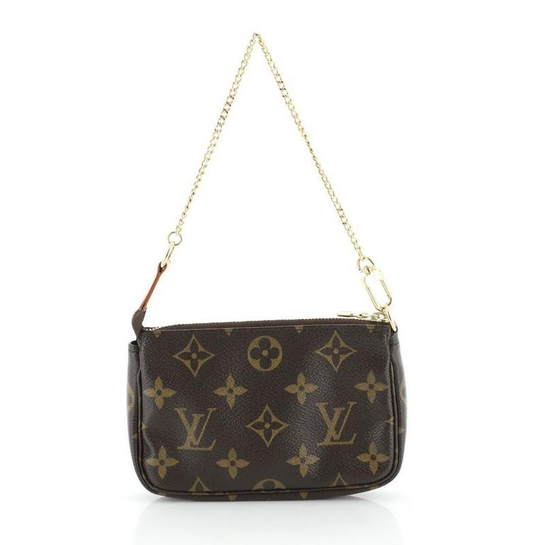 Louis Vuitton Pochette Accessoires Limited Edition Monogram Canvas Mini  In Good Condition For Sale In New York, NY