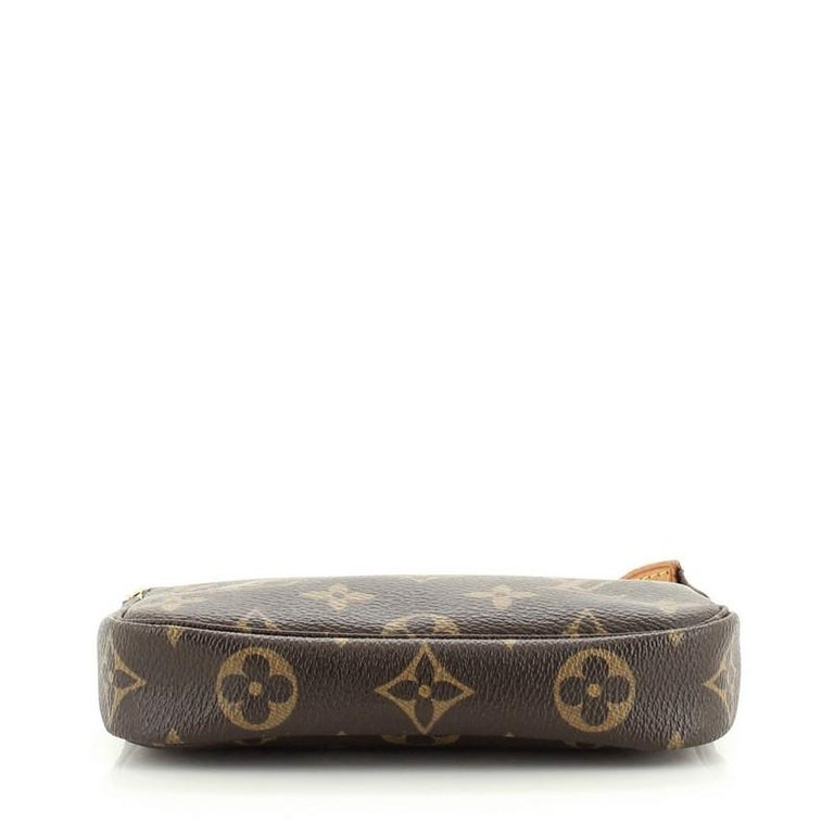 Louis Vuitton Pochette Accessoires Monogram Canvas Mini In Good Condition For Sale In New York, NY