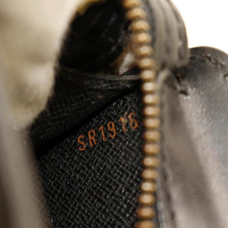372a4aa946de Louis Vuitton Pochette Homme 866331 Black Leather Clutch For Sale at 1stdibs