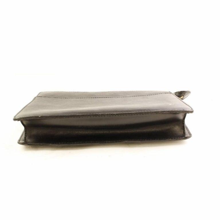e910e76a9bd2 Louis Vuitton Pochette Homme 866331 Black Leather Clutch For Sale at ...