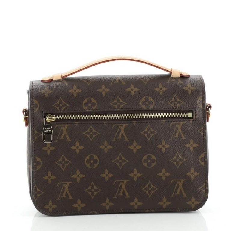 Louis Vuitton Pochette Metis Monogram Canvas In Good Condition In New York, NY