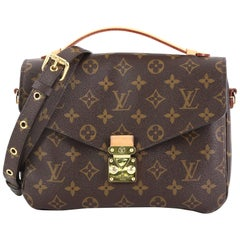Louis Vuitton Pochette Metis Monogram Canvas