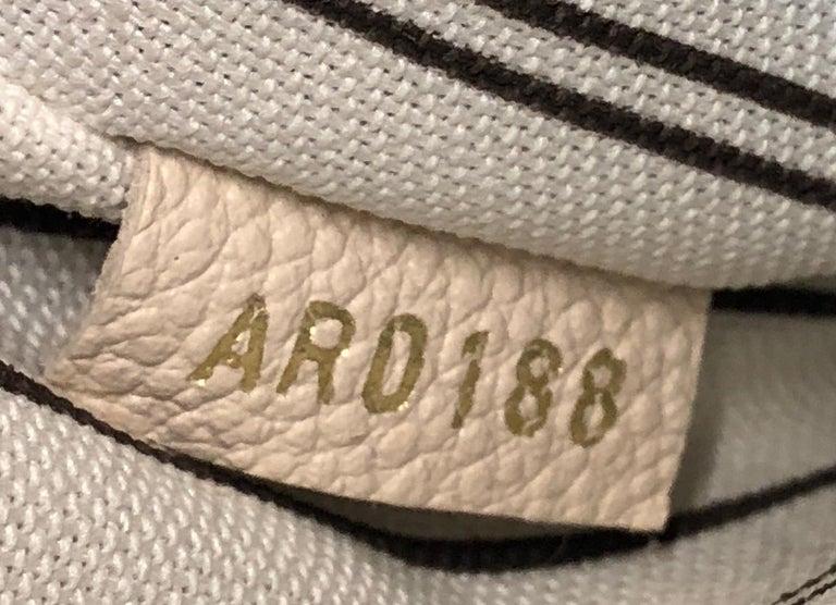 Louis Vuitton Pochette Metis Monogram Empreinte Leather For Sale 2