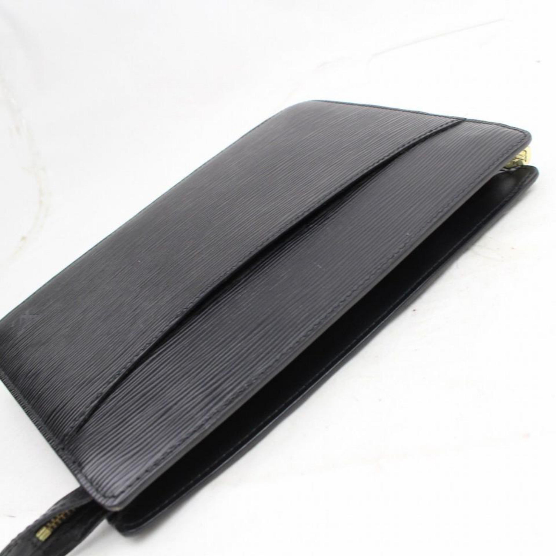2940f3a781cd Louis Vuitton Pochette Noir Homme Zip Pouch 868818 Black Leather Clutch For  Sale at 1stdibs