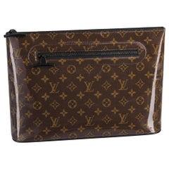 Louis Vuitton Pochette (Runway) Monogram Glaze Cosmos 1lz0828 Brown clutch