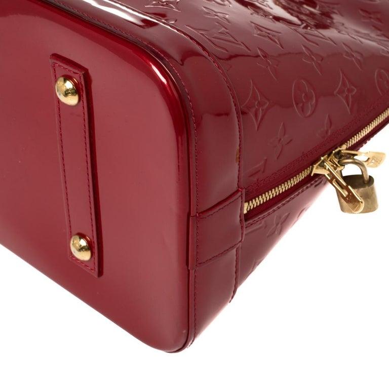 Louis Vuitton Pomme D'amour Monogram Vernis Alma GM Bag For Sale 5