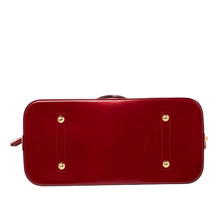 Louis Vuitton Pomme D'amour Monogram Vernis Alma GM Bag For Sale 7