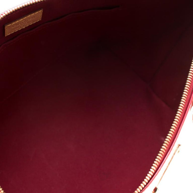 Louis Vuitton Pomme D'amour Monogram Vernis Bellevue PM Bag For Sale 6