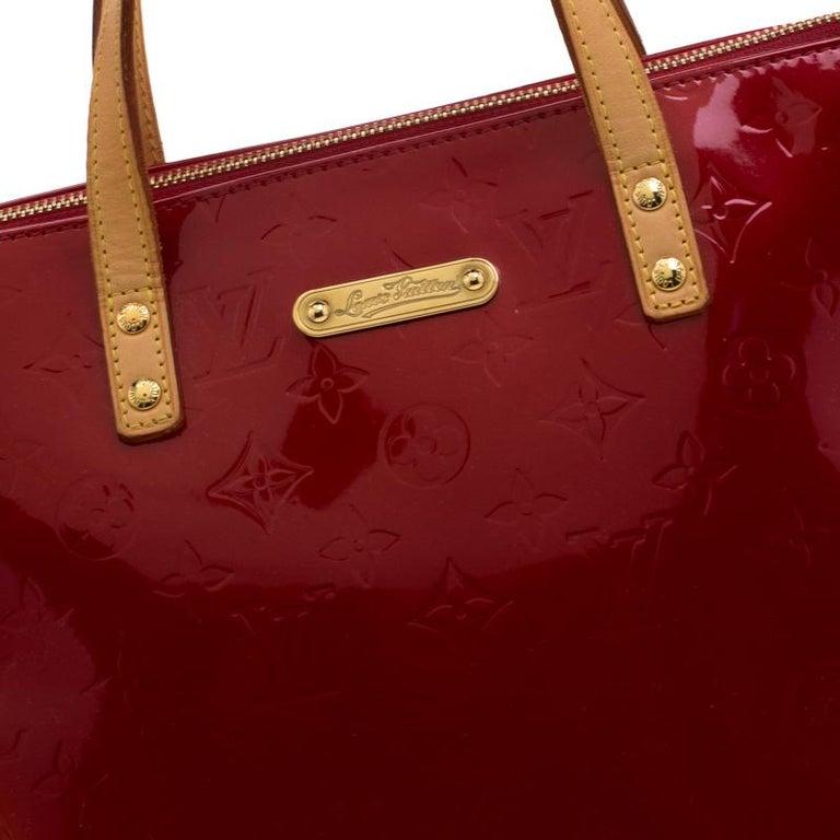 Louis Vuitton Pomme D'amour Monogram Vernis Bellevue PM Bag For Sale 7