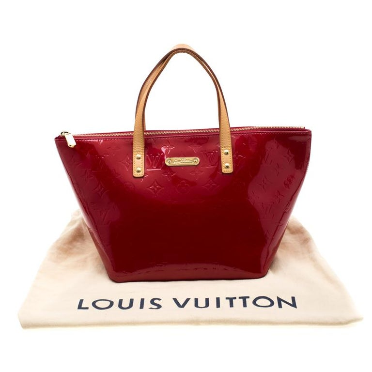 Louis Vuitton Pomme D'amour Monogram Vernis Bellevue PM Bag For Sale 8