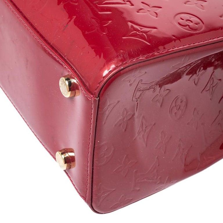 Louis Vuitton Pomme D'amour Monogram Vernis Brea GM Bag For Sale 6
