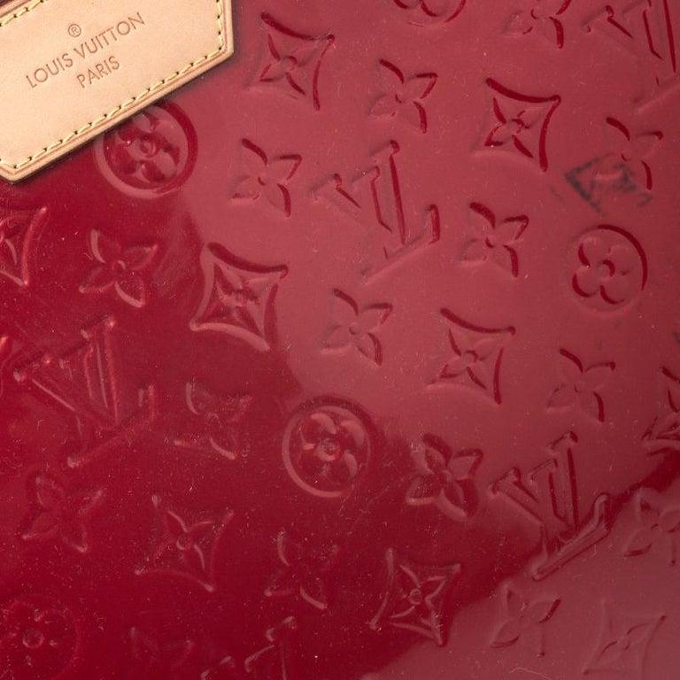 Louis Vuitton Pomme D'amour Monogram Vernis Brea GM Bag For Sale 3