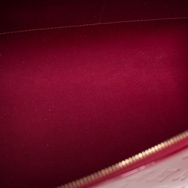 Louis Vuitton Pomme D'Amour Monogram Vernis Montana Bag For Sale 5