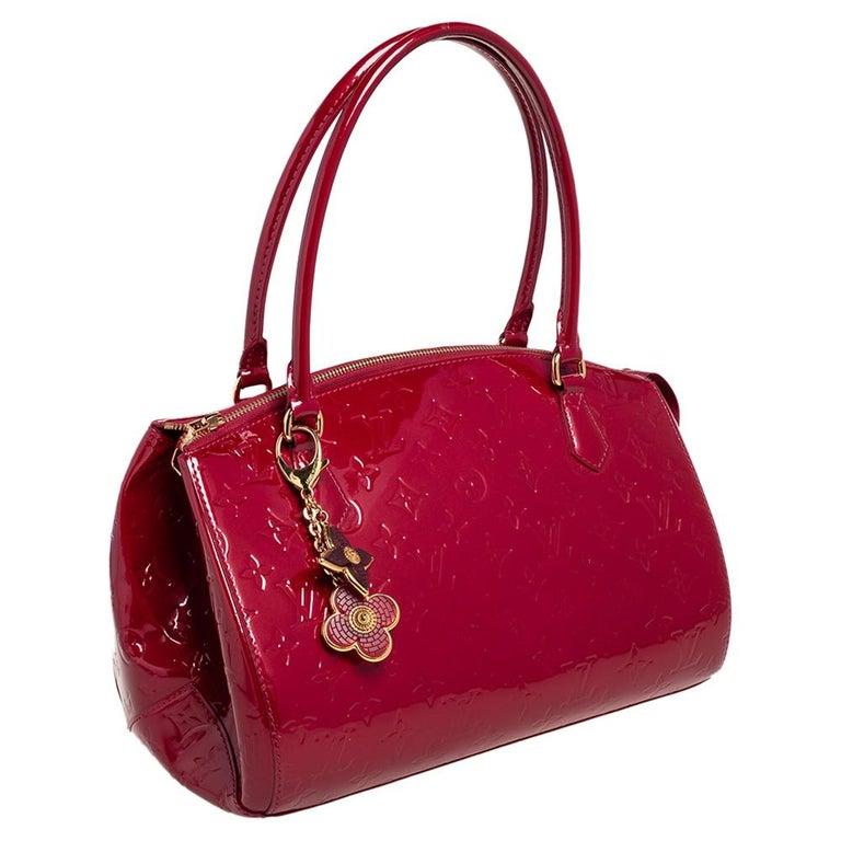 Louis Vuitton Pomme D'Amour Monogram Vernis Montana Bag In Good Condition For Sale In Dubai, Al Qouz 2