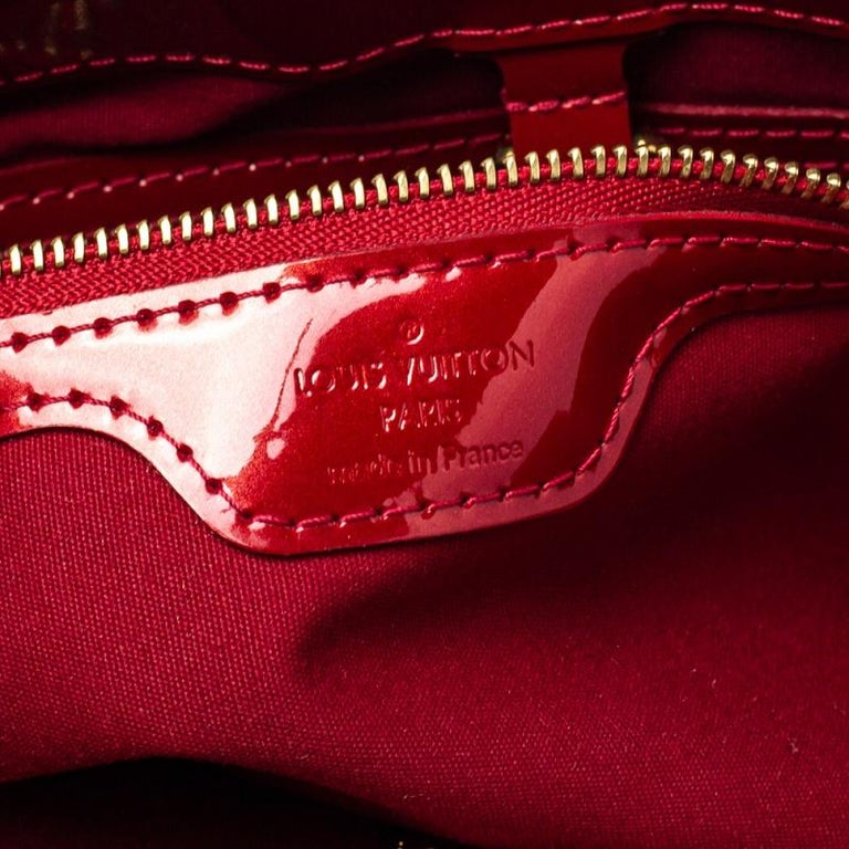 Louis Vuitton Pomme D'amour Vernis Wilshire PM Bag For Sale 5