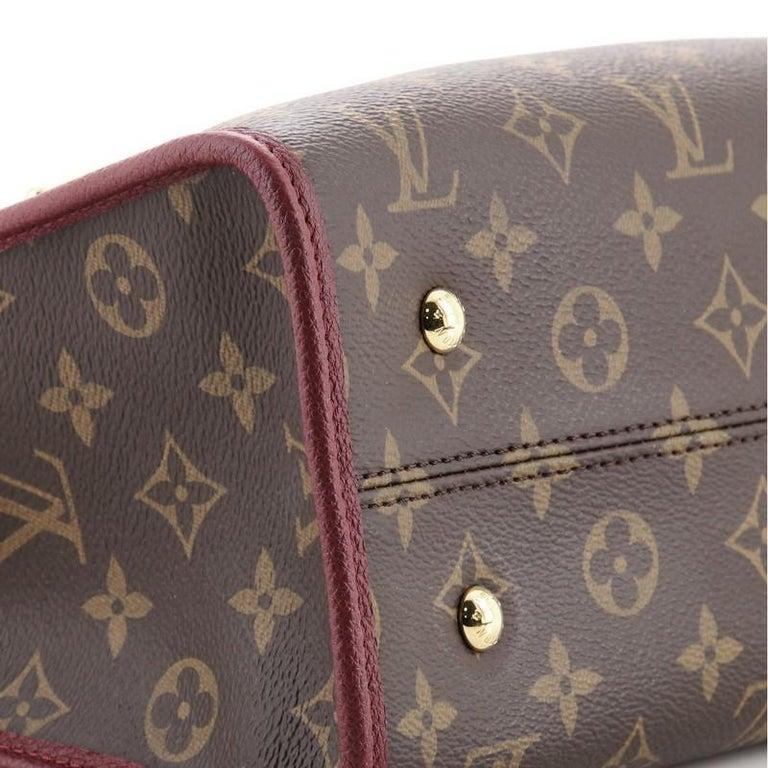Louis Vuitton Popincourt NM Handbag Monogram Canvas PM For Sale 3
