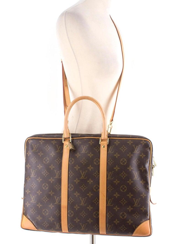 b12472afea9e Louis Vuitton Porte-Documents Voyage Business Bag at 1stdibs