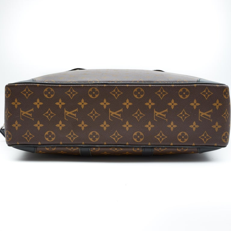Black Louis Vuitton Porte-Documents Voyage Gm Monogram Macassar Weekend Bag For Sale