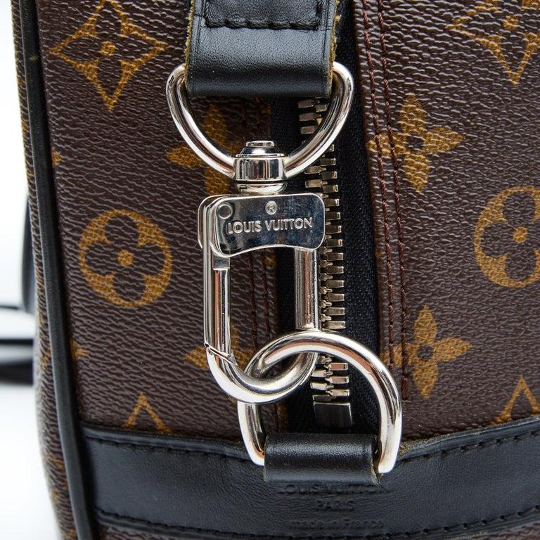 Women's or Men's Louis Vuitton Porte-Documents Voyage Gm Monogram Macassar Weekend Bag For Sale