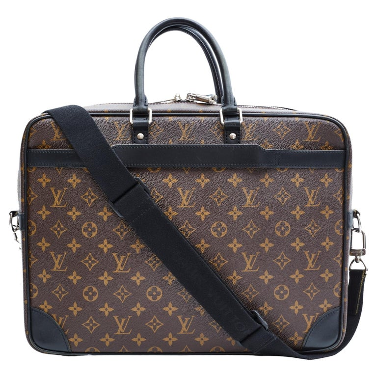 Louis Vuitton Porte-Documents Voyage Gm Monogram Macassar Weekend Bag For Sale
