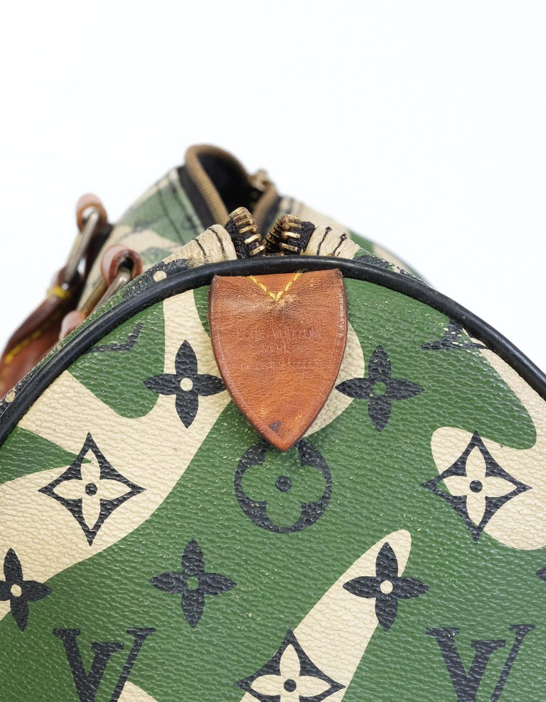 Louis Vuitton Rare Limited Edition Murakmi Monogramouflage Speedy 35 In Good Condition For Sale In Montreal, Quebec