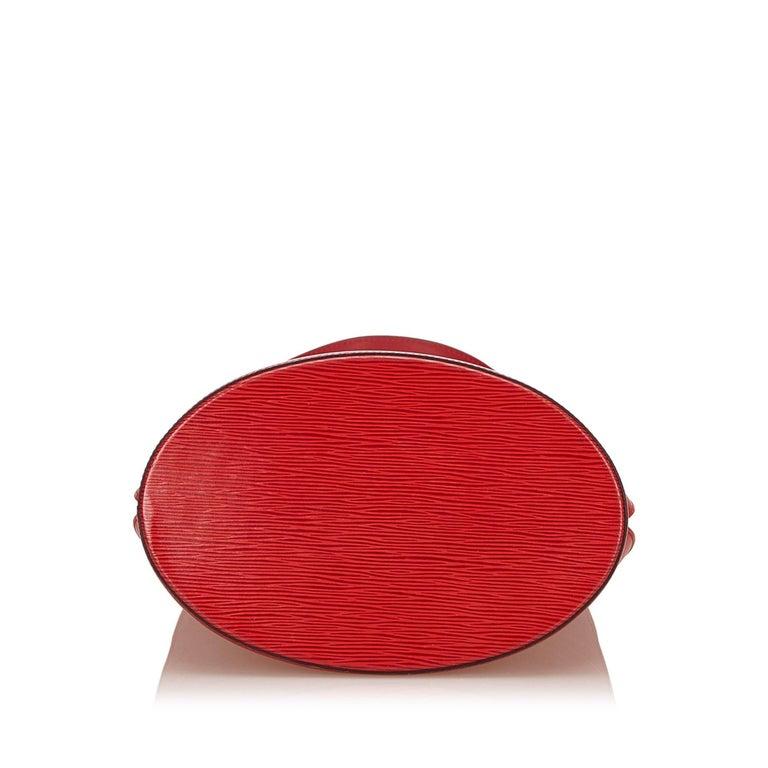 Women's Louis Vuitton Red Epi Leather Cluny Shoulder Bag For Sale