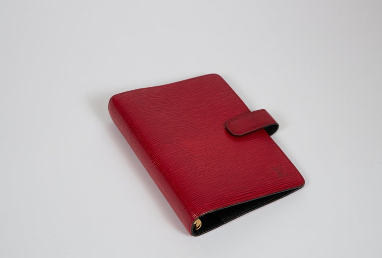 Louis Vuitton Red Epi Leather Planner Cover In Good Condition For Sale In West Hollywood, CA