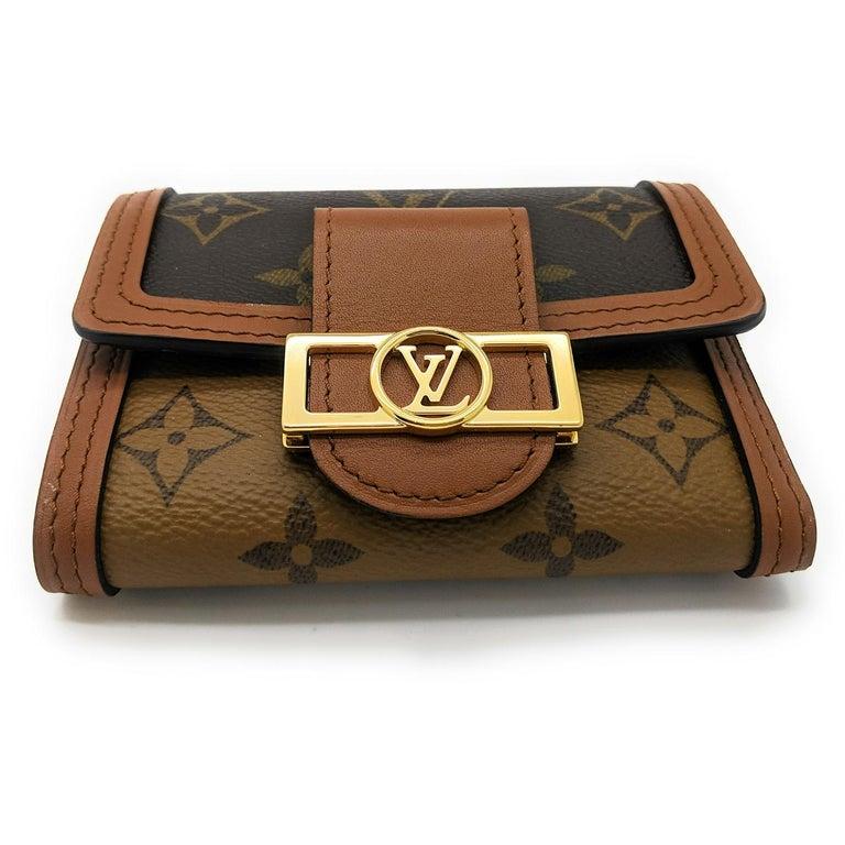 Women's Louis Vuitton Reverse Monogram Dauphine Compact Wallet For Sale