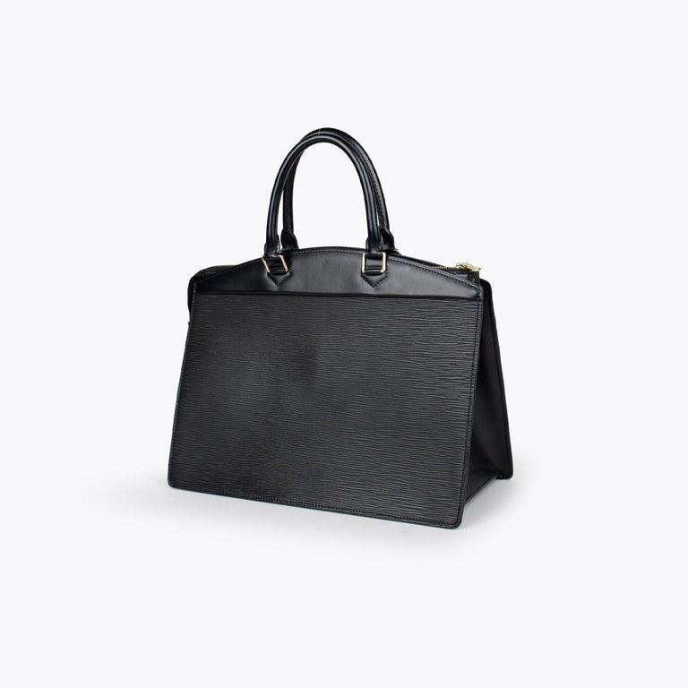 Louis Vuitton Riviera Epi Bag In Good Condition In Sundbyberg, SE