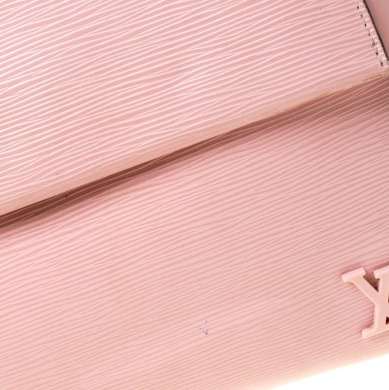 Louis Vuitton Rose Ballerine Epi Leather Cluny MM Bag 6