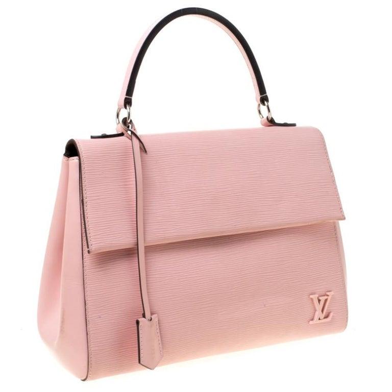 Louis Vuitton Rose Ballerine Epi Leather Cluny MM Bag In Good Condition In Dubai, Al Qouz 2
