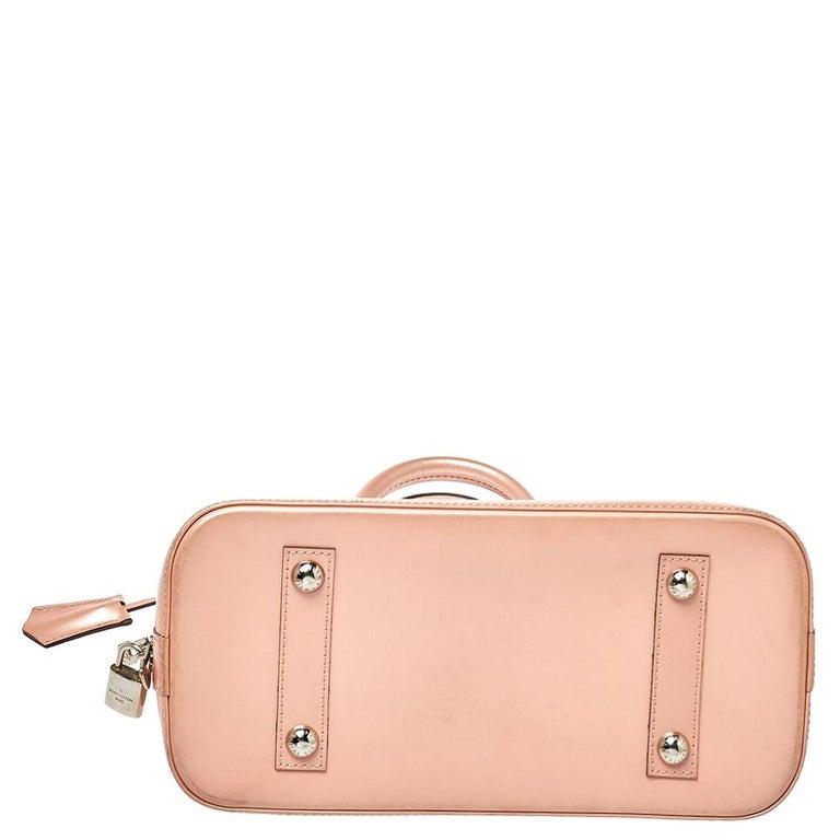 Louis Vuitton Rose Nacre Epi Leather Alma PM Bag In Good Condition In Dubai, Al Qouz 2