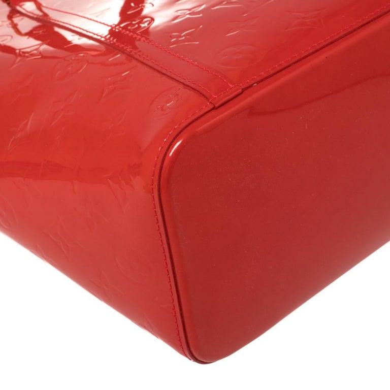 Louis Vuitton Rouge Grenadine Monogram Vernis Avalon GM Bag For Sale 5