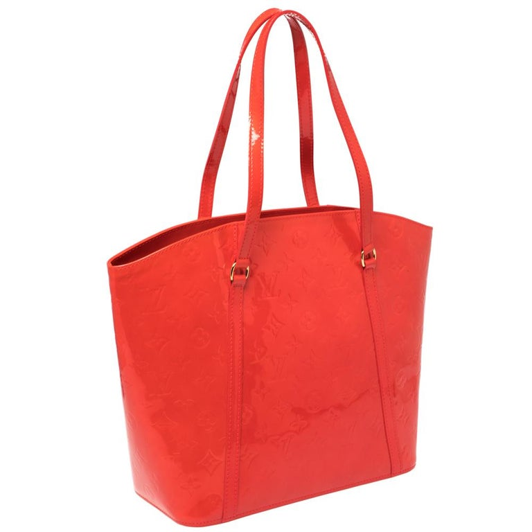 Louis Vuitton Rouge Grenadine Monogram Vernis Avalon GM Bag In Good Condition For Sale In Dubai, Al Qouz 2