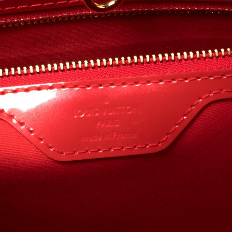 Women's Louis Vuitton Rouge Grenadine Monogram Vernis Avalon GM Bag For Sale