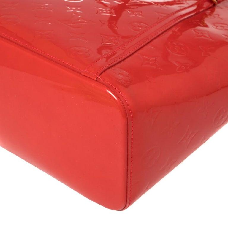 Louis Vuitton Rouge Grenadine Monogram Vernis Avalon GM Bag For Sale 4