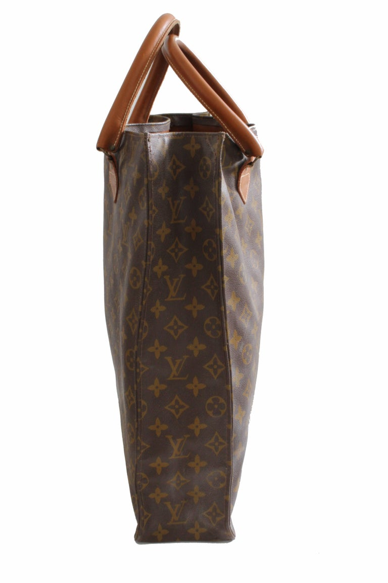 Brown Louis Vuitton Sac Plat Monogram Tote Bag + Removable Pouch French Company 1970s For Sale