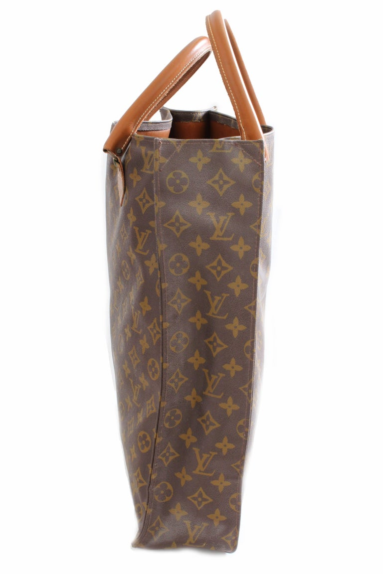Women's or Men's Louis Vuitton Sac Plat Monogram Tote Bag + Removable Pouch French Company 1970s For Sale